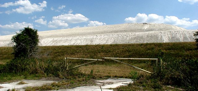 Florida – abandoned radioactive wastewater reservoir in danger of collapse